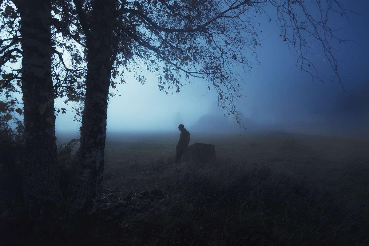 """I am still waiting"" by Mika Suutari (https://mikasuutari.com)"